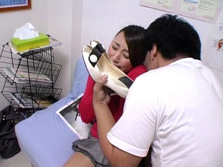 人妻のパンプスの匂い